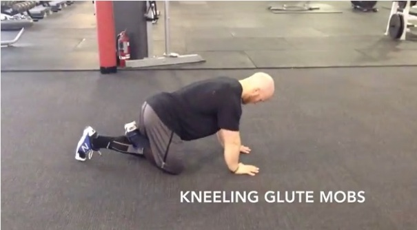 kneeling glute mobs